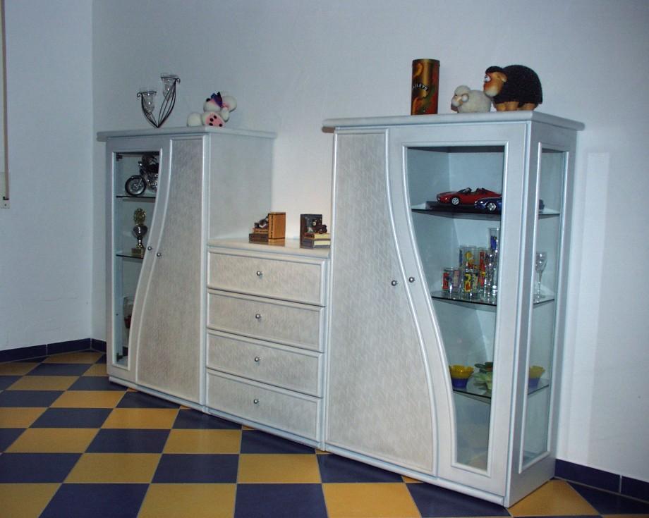 rattanschrank exklusive rattankommode und eckvitrine mit. Black Bedroom Furniture Sets. Home Design Ideas