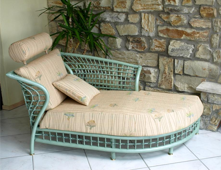Fabulous Modell With Rattan Recamiere