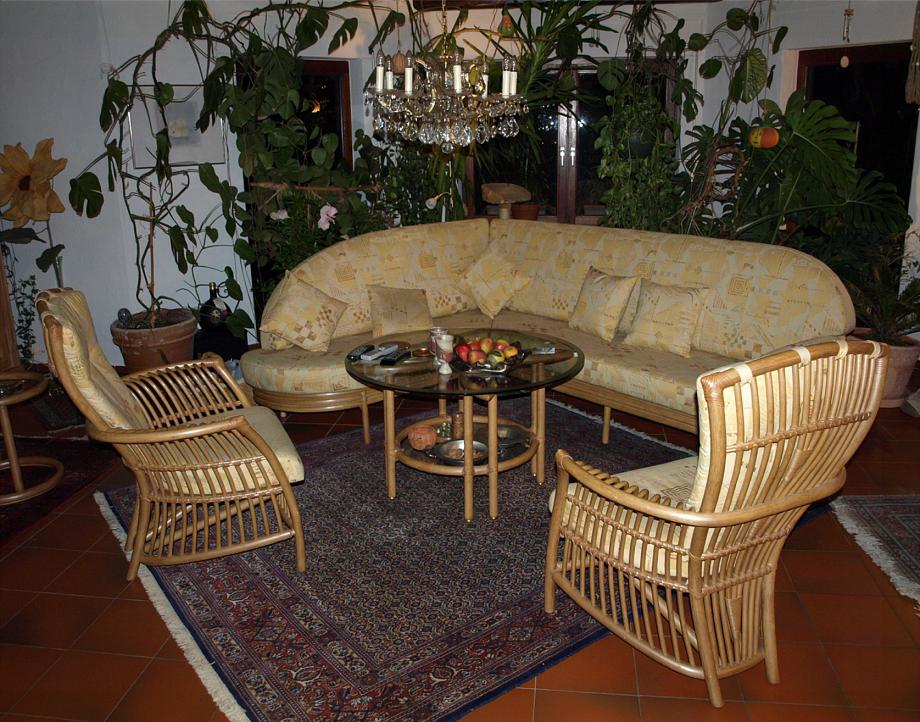 rattan garnituren u rattan sofas f r rattan wohnzimmer rattan sitzgruppe modell wohnzimmer 33. Black Bedroom Furniture Sets. Home Design Ideas